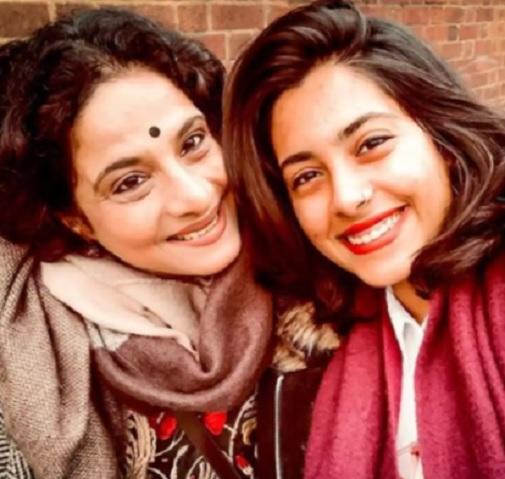 shubhangi gokhale daughter