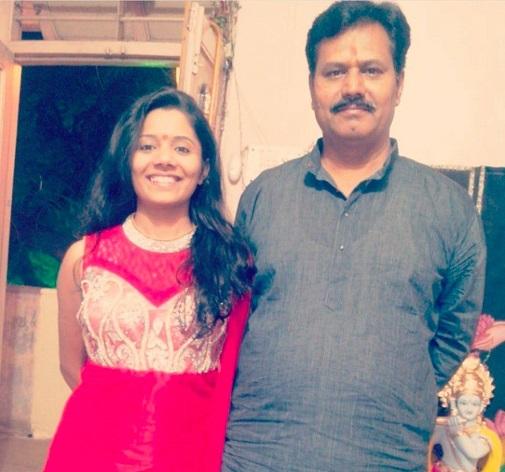 shweta ambikar with father