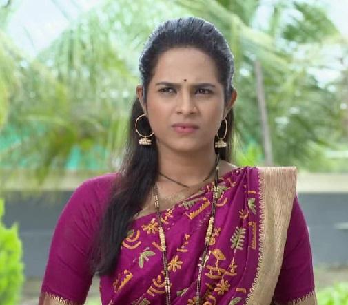 actress amruta dhongade