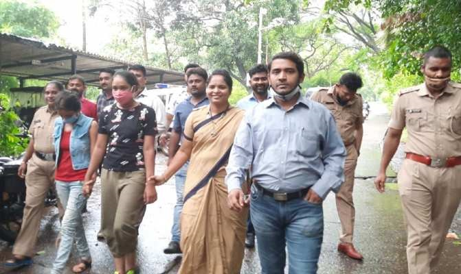 actress arrest in mumbai