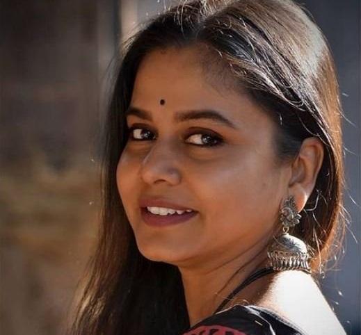 actress hemangi dhumal pic