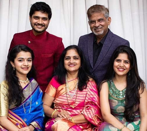 abhishek deshmukh family