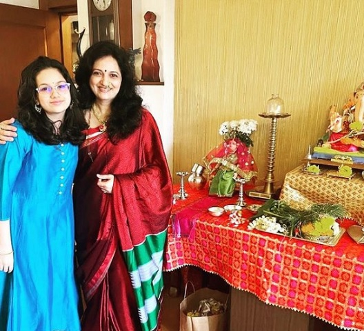 actress kavita lad medhekar daughter